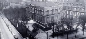 Vue de l'Institut Pasteur, côté 25 rue du Docteur Roux, vers 1950.