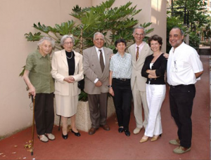 On the picture are the successive Directors: (from left to right) Marguerite Faure (1910-2007), Anne-Marie Staub, Joseph Alouf, Claude leclerc, Jean-Marc Cavaillon, Armelle Phalion and Daniel Scott-Algara, head of Practical works and deputy-Director, respectively), when the Course was suppressed in 2002